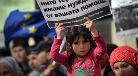 Сирийските бежанци от Розово бяха изселени